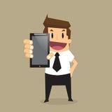De bedrijfsmens toont slimme telefoon Stock Fotografie