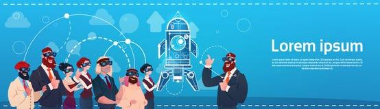 De bedrijfsmensen groeperen Glazen Ruimterocket success startup development van de Slijtage de Digitale Werkelijkheid Stock Afbeelding