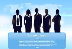 De bedrijfsmensen groeperen het team van de silhouetuitvoerende macht Stock Foto