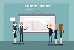 De bedrijfsmensen groeperen Presentatie Flip Chart Finance, Zakenlui Team Training Conference Meeting Royalty-vrije Stock Afbeelding