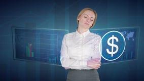 De bedrijfsvrouw maakt een financiële analyse van de aanrakingsschermen Amerikaanse dollar stock video