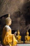 De beelden van Boedha in het Hol van Khao Luang, Phetchaburi-provincie, Thailand Stock Afbeeldingen