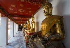 De beelden van Boedha in Wat Pho Stock Afbeelding