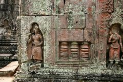 De beeldhouwwerken in angkor wat van Kambodja Stock Fotografie