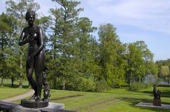 De beeldhouwwerken in park Stock Afbeeldingen