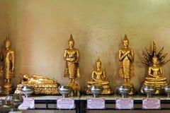 De beeldhouwwerken van Boedha in tempel Stock Afbeelding