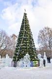 De beeldhouwwerken van de kerstboom en van het ijs, Moskou Royalty-vrije Stock Foto