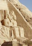 De beeldhouwwerken van de steen bij de tempels van Abu Simbel Stock Afbeelding