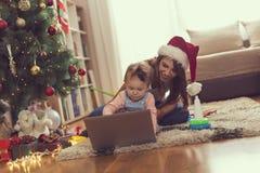 De beeldverhalen van de Kerstmisochtend royalty-vrije stock foto's