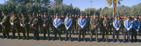 De begrafenis dienst voor politieman stock foto's