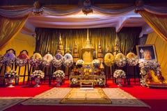 De Begrafenisurn van Phra Phrom Kawee (Worawit Khongkhapunyo), Tha Stock Foto's