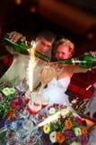 De begroeting van het huwelijk van nachtstad. royalty-vrije stock afbeeldingen