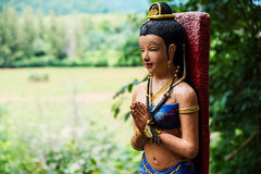 De begroetingsstandbeeld van het Antcient Thais meisje Royalty-vrije Stock Afbeelding