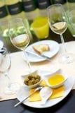 De behandelde eettafel met wint Stock Foto