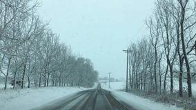 De behandelde weg van Wisconsin sneeuw stock foto
