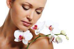 De behandeling van de huid voor schoonheids volwassen vrouw Stock Foto's