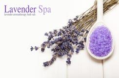 De behandeling van het kuuroord - aromatherapy Lavendel stock afbeeldingen