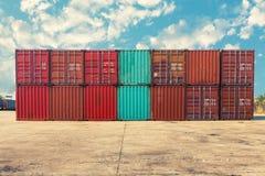 De behandeling van stapel die van container, Vervoerszaken verschepen Royalty-vrije Stock Foto's
