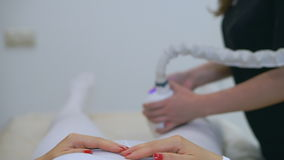 De behandelingen van de hardwarelaser voor gezicht en lichaam Kuuroord stock videobeelden