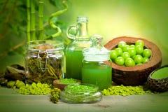 De behandelingen van het kuuroord - aromatherapy mineralen Stock Afbeeldingen