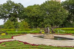 De Behoudende Tuin, elegante passage in het Central Park royalty-vrije stock afbeelding
