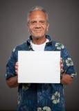 De bejaarde houdt leeg teken Royalty-vrije Stock Afbeelding