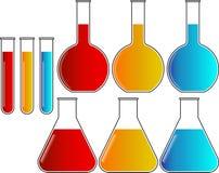 De BekersReageerbuizen van chemieflessen Geplaatst Vector Royalty-vrije Stock Afbeeldingen