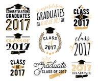 De bekledingen van graduatiewensen, geplaatste etiketten Retro gediplomeerde klasse van 2017 kentekens Stock Foto's