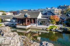De belangrijkste hal van de Chinese Tuin van Dunedin in Nieuw Zeeland Stock Afbeeldingen