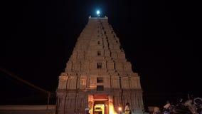 De belangrijkste tempel complex in Hampi bij nacht stock footage