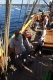 De bemanning plaatst de zeilen van de Dame Washington royalty-vrije stock afbeelding