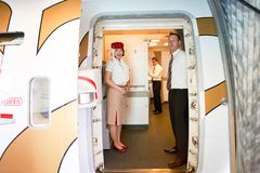 De bemanning van emiraten stock afbeeldingen