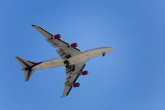 De benadering van vliegtuigen Stock Foto's