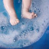 De benen van de baby stock afbeeldingen