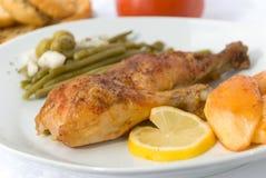 De benen van de kip met asperge Stock Foto's