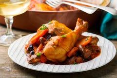 De benen van de kip met groenten Stock Foto