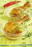 De benen van de kip in saus Royalty-vrije Stock Foto's