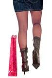 De benen van de vrouw met het winkelen zakken royalty-vrije stock foto's
