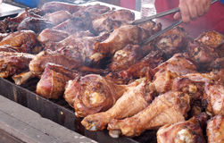 De Benen van Turkije op de Grill Stock Foto