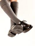 De bengelende Schoenen van de Jongensschool royalty-vrije stock foto