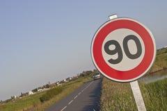 De beperking van de snelheid roadsign Stock Foto