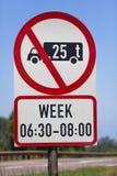 De Beperking van de Tijd van de Vrachtwagens van de Weg van het teken Royalty-vrije Stock Afbeelding