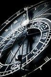 Astronomical ta tid på, Prague, undertecknar av Zodiac Royaltyfri Fotografi