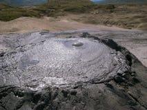De Berca-Moddervulkaan in Buzau, Roemenië Stock Afbeelding