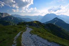 De berg bereikt landschap een hoogtepunt Stock Afbeeldingen