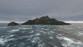 De berg en de oceaan van Cinematiconweerswolken Volledige HD stock footage