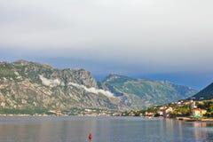 De berg en overzeese van Nice mening stock foto's