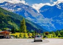 De Berg van Alpen Tirol Autosnelwegweg Stock Foto