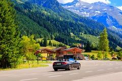 De Berg van Alpen Tirol, Oostenrijk Autosnelwegweg Royalty-vrije Stock Foto's