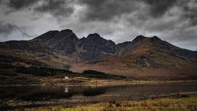 De berg van Blabheinn, Eiland van Skye, Schotland stock foto's